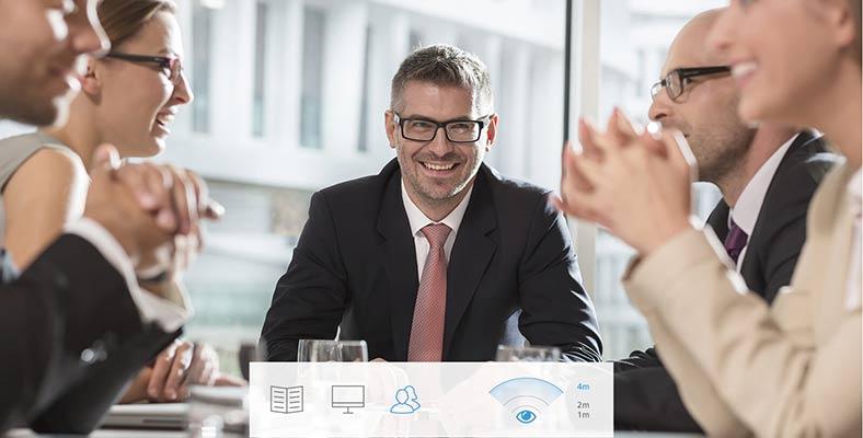 lavoro-con-contatto-clienti-ottica-lariana-como