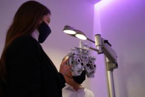 nuova-sala-refrazione-optometria-ottica-lariana-lipomo-como-002